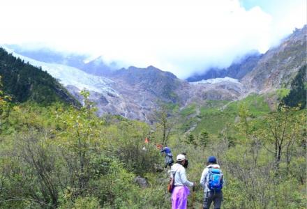 梅里雪山徒步——行走在卡瓦格博神圣之下