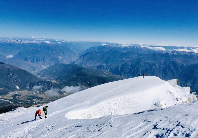 哈巴雪山登山攻略详解:正确开启人生真正意义上的第一座雪山